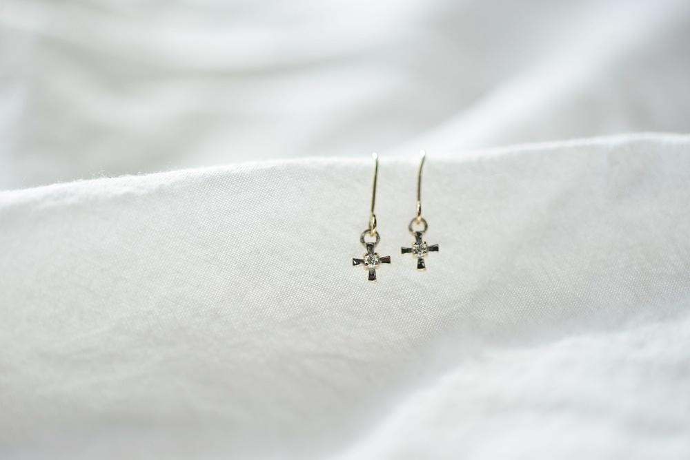 画像1: [10K]cross diamondピアス (1)